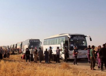 Refugees, Fighters in Lebanon Head for Syria