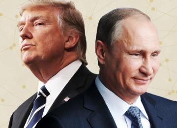 Donald Trump (L), and Vladimir Putin