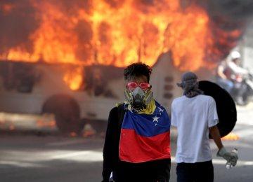 200,000 Venezuelans Mark 50 Days of Protest Against Maduro
