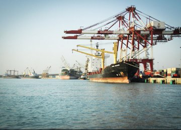 80% of Basic Goods Imports Via Imam Khomeini Port