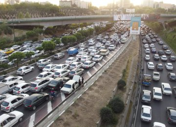 Travel delays caused by traffic average 50.7% in Tehran.