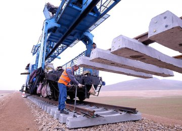 Tehran-Hamedan Railroad Launch in May