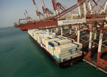 Iranian Ports Throughput  Up 9.4%