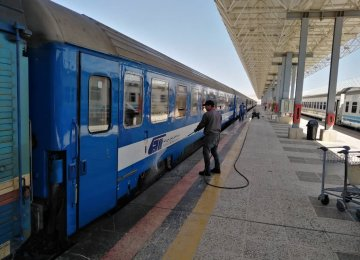 Iran Gov't Starts Offering $53m in Cheap Loans to Rail Passenger Companies