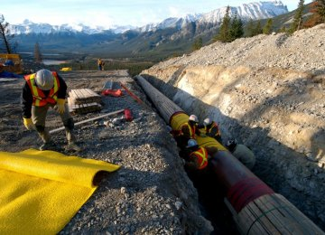 Canada Suspends Pipeline Expansion Operations