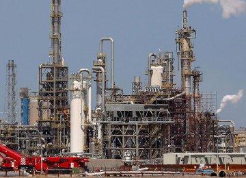 Kuwait Seeks Crude Supply Cuts Into 2018