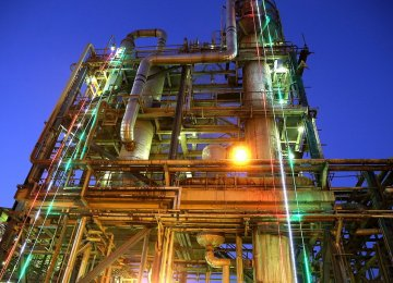 Petrochemical Projects Go on Stream in Iran's Mahshahr