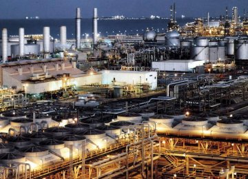 Iran produced 50.61 million tons of petrochemicals in fiscal 2016-17.