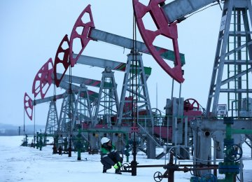 Russian Oil Output Hits 11-Month High