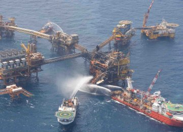 Shell Sued Over  Platform Fire