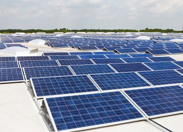 Solar Capacity Exceeds Fossil Fuels in 2017