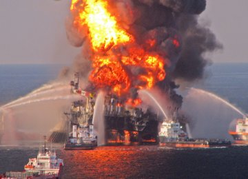 US to Roll Back Offshore Oil Drilling Safety Rules