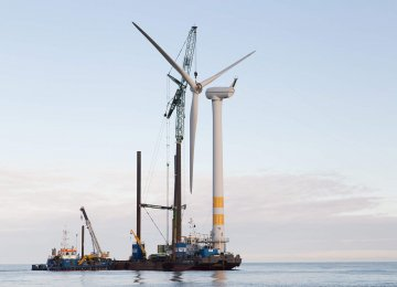 World's 1st Offshore Wind Farm Dismantled