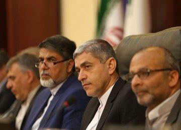Economy Minister Ali Tayyebnia visited Markazi Province on April 13.