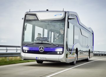 Mercedes-Benz Buses to Offer Active Brake Assist