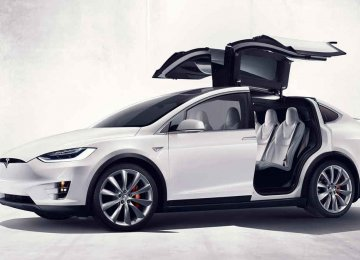 Global car buyers in big numbers are opting for Tesla models.
