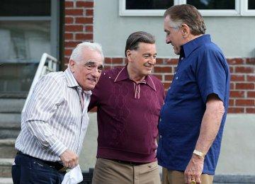 De Niro (R), Pacino (C) and Scorsese on the set of 'The Irishman'