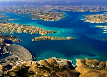 Ataturk Dam's reservoir has a capacity of 48 billion cubic meters.