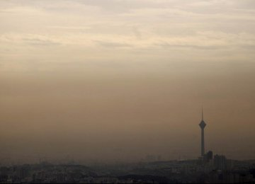 Heavy smog blankets Tehran (pictured) and other major cities every winter. (Photo: IRNA)