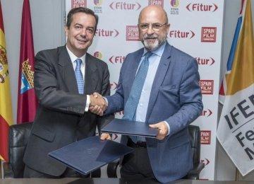 Eduardo Lopez-Puertas (L) and Carlos Rosado