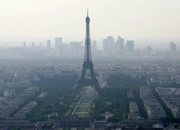 Paris Testing New  Anti-Pollution Measures