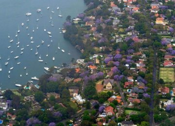 Australia House Prices Fall Further