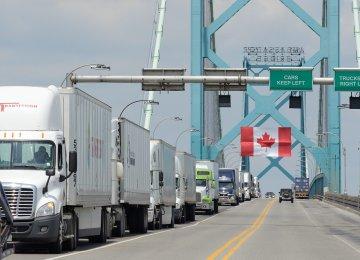 Canada Trade Surplus Exceeds Forecasts