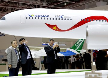 China, Russia to Build Commercial Jet