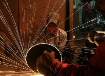 India Factory Output Grows