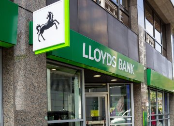Lloyds Loses Mortgage Market Share