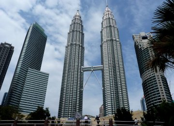 Malaysia Says Growth on Track