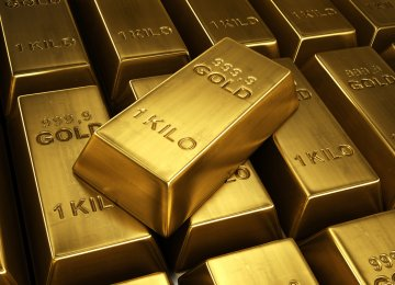 Both, Russia and China, have intensified efforts in recent years to settle bilateral trade not in US dollars, but in rubles and yuan. Gold is considered important by both countries.