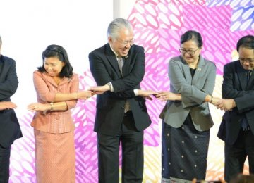 ASEAN, HK to Sign Free Trade Deal