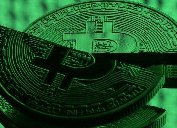 Bitcoin Recovers, Rises 10 Percent