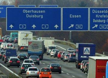 Despite Political Mess, German Markets Buzzing Along