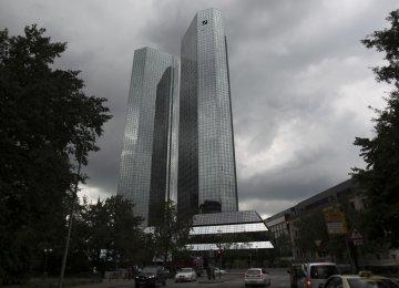 Deutsche Bank Reports Third Straight Loss