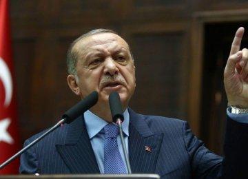 Erdogan Denies Turkey in Economic Crisis