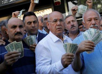 Erdogan Berates Rating Agencies as Impostors, Racketeers
