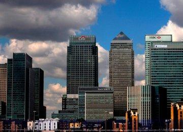 HSBC Net Profit Falls 82%