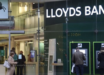 Lloyds Profit Growth Misses Expectations