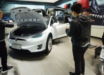 China has announced plans to gradually remove foreign ownership caps for limits for car, ship and aircraft makers.