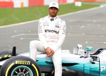 Hamilton First in F1 Poll