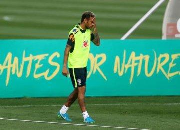 Neymar Sends Injury Scare Through Brazil Camp