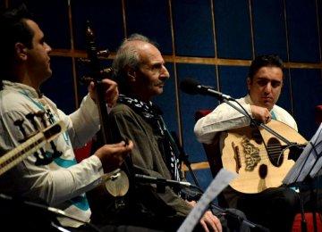 Rahmanpour to Sing at Art Center