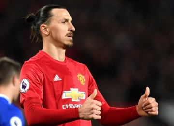 Mourinho Predicts Early Return for Ibrahimovic