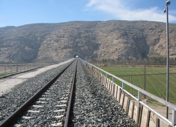 The 1.43-km bridge is part of the under-construction Qazvin-Rasht railroad, which is reportedly in its final stages.
