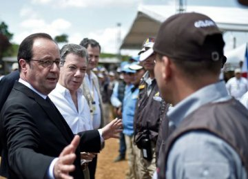 Hollande Meets With FARC Rebels