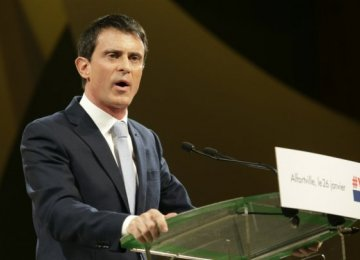 France's Ex-PM Valls Withholds Endorsement