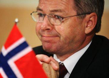 Former Norwegian PM Held at US Airport