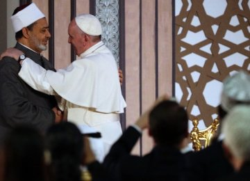 Pope Promotes Inter-Faith Solidarity in Egypt